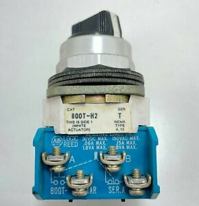 Allen-Bradley 800T-H2 Selector Switch 2-Position Maintained 30mm Knob Industrial