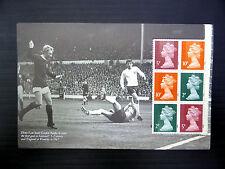 GB Machin 2013 Football Booklet Panes x 100 NEW IRIDESCENT OPT SEE BELOW FP5385