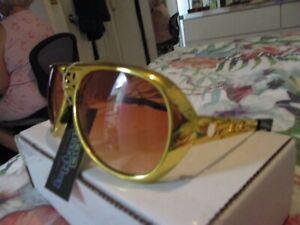 Elvis Gold Sunglasses with Case  Metal Arms Plastic Frames & Len's