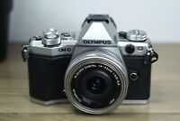 Olympus OM-D E-M5 Mark II Digital Mirrorless Camera with 14-42 EZ Lens