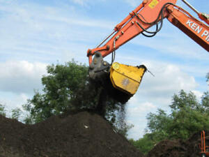 compact excavator soil screening bucket - fast and effective in damp soil