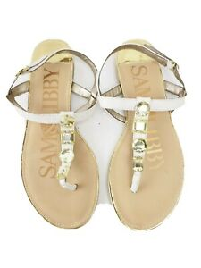 Sam & Libby sandals 7.5 M white and rhinestone faux leather T-strap thongs