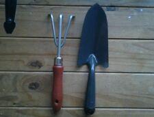 Due strumenti a mano da giardino......... Spatola & Forchetta in legno/metallo... NUOVO.