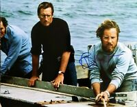 RICHARD DREYFUSS AUTOGRAPHED JAWS 8X10 PHOTO - HOOPER