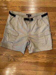 Royal Robbins 100% Nylon Men Cargo Shorts with Belt preowned Size XXL Beige