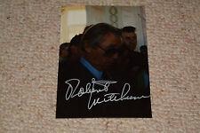 Robert Mitchum signed autógrafo en persona 13x18 cm foto privada