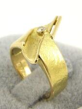 Echtschmuck aus Gelbgold mit Brilliantschliff und Reinheit VVS Ringe