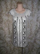 FOREVER NEW Sz 6 creamy white black floral embroidery short sleeve shift Dress