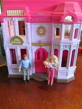 Fisher-Price Loving Family FAMILY MANOR Dollhouse Set w/ Mom, Dad & Baby EUC