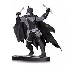 ★ STATUE BATMAN BLACK & WHITE EARTH 2 BY NICOLA SCOTT - DC COMICS - EN STOCK ★
