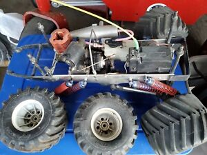 Vintage RC Kyosho Mad Force Nitro Monster Truck #2