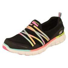 Zapatillas deportivas de mujer de tacón bajo (menos de 2,5 cm) de color principal negro talla 40