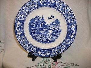 OLDE ALTON WARE VINTAGE  BLUE & WHITE  WILLOW TRANSFER WARE 9 INCH SALAD PLATE