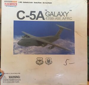 Dragon Wings 55846 United States Air Force C-5A Galaxy 439th AW AFRC 1/400