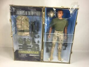 Soldiers Of The World Footlocker With Figure & Gear  - (WRAP IS COMING OUT)