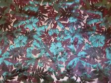 Magnifique foulard en velours de soie dévorée neuf.