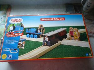 thomas wooden learning curve train set