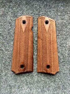 colt 1911  woood grip