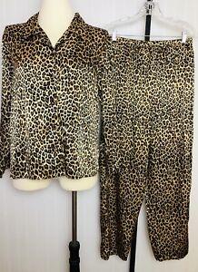 Fredericks Hollywood 2 Piece Set M Cheetah Leopard Print Silky Satin Pajamas