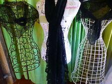 lot   dentelles  3piéces,mantilles et long foulard  noir =eglise,théatre .....