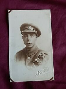 VINTAGE WW 1 ERA REAL PHOTO POSTCARD, A YOUNG SOLDIER IN UNIFORM