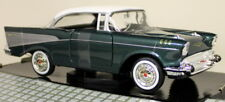 Motormax 1/24 Scale - 1957 Chevy Bel Air Green / White Roof Diecast model car