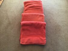 A SET OF 2 HAND TOWELS AND 1 BATH TOWEL BY JONELLE