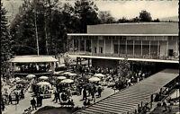 Bad Orb Spessart Postkarte 1962 gelaufen Partie an der Konzerthalle Personen