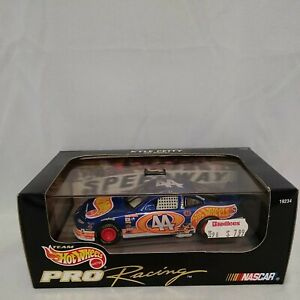 Hot Wheels Pro Racing Kyle Petty #44.   #859