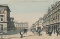 PARIS – Rue de Rivoli au Louvre – France