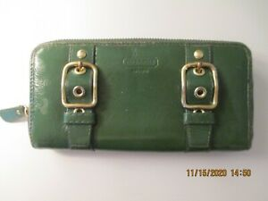 COACH GLOVE SOFT BROKEN IN GREEN LEATHER CLUTCH WALLET LOTS OF LIFE LEFT !