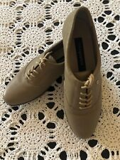 easy spirit Shoes 8 with  Laces ivory color