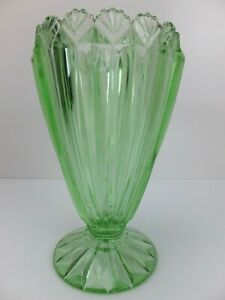 Vintage ART DECO Green Glass Vase with Fan Rim