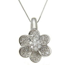 In Solid 14K White Gold 0.30Ct Tw Diamond Flower Pendant
