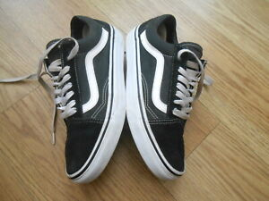 VANS OFF THE WALL TRAINERS  SIZE UK 6