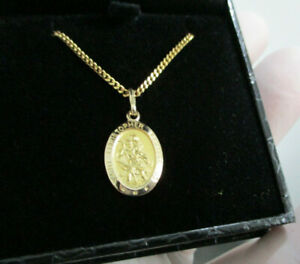 9CT Gold St Christopher and 9CT Chain 5.17 Grams - New never worn