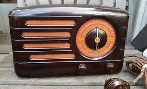 Vintage AWA Radio C1946 Bakelite - Untested. Model 500-M