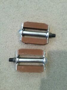 "BICYCLE BLOCK PEDALS, 1/2"" BROWN ,BMX,SCHWINNS, CRUISER,STINGRAY"