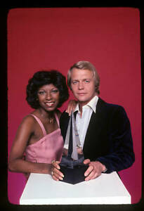 OLD AMA MUSIC AWARDS PHOTO 1977 Hosts Natalie Cole And David Soul