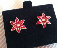 VINTAGE AVON NEW IN BOX GOLDTONE AND RED CHRISTMAS POINSETTIA PIERCED EARRINGS