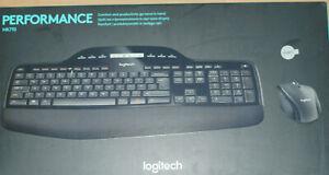Logitech MK710 Funk Maus und Tastatur QWERTY Layout- schreibt QWERTZ