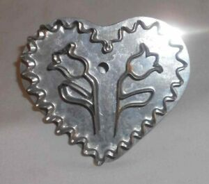 Contemporary Well-Done B. Cukla Tin Cookie Cutter W/ Handle Tulips Inside Heart