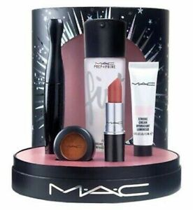 MAC Star Gift Set - Limited Edition - Brand New