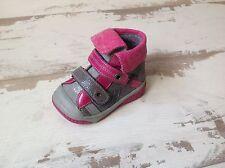 P19 - Chaussures Fille Neuves Babybotte - Modèle ACTEUR Gris et Rose (86.00 €)