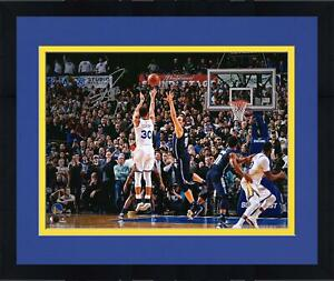 """Frmd Stephen Curry GS Warriors Signed 16"""" x 20"""" Game Winning Shot v Dallas Photo"""