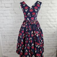 Modcloth Fabulous Fit And Flare V Neck Dress NWOT Navy Flowers rockabilly Size 0