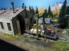 BUILDING & STRUCTURE CO S SCALE 2 STALL ENGINE HOUSE EXTENDABLE ITEM 2929S