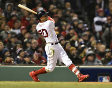 Mookie Betts Boston Red Sox UNSIGNED 8x10 Photo (B)