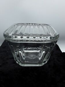 1932 Anchor Hocking Refrigerator Dish Glass with Lid (399)