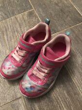 New listing Skechers sneakers